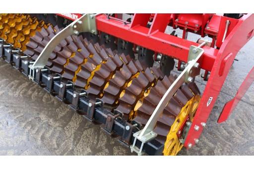 Weaving Tramline Subsoiler
